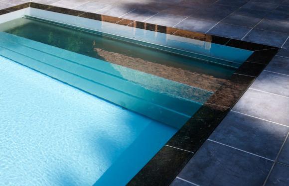 Miroir piscines vaud piscines concept services etude for Installation piscine miroir